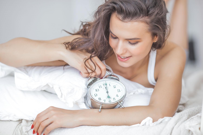 朝のスキンケアで肌が変わる!乾燥を防ぐ正しい順番と時短テクニック